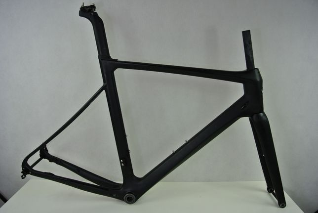 Rama szosowa PRICE PREMIUM AERO DISC carbon 54 cm