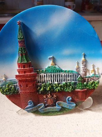 Тарелка сувенирная, настенная, на подставке. Москва