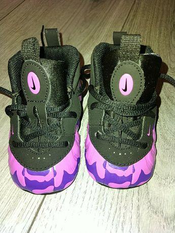 Кросівки фірмені NIKE