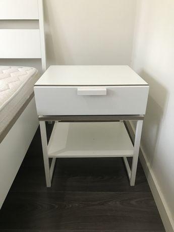Mesa cabeceira branca do Ikea-Trysil