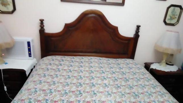 Mobilia de quarto cama de casal completa em mogno
