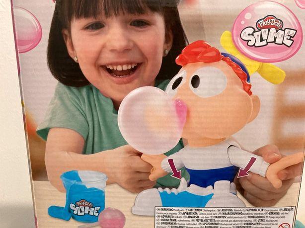 Play -doh Slime Karol żuje gumę