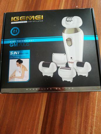 Эпилятор с разными насадками (5в1) по уходу за кожей.