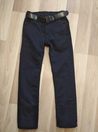 Продам брюки , штаны в школу на мальчика 7 лет, 122 см
