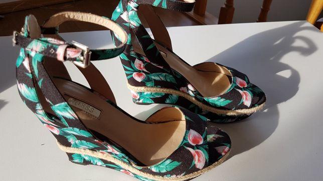 Guess NOWE sandały na koturnie espadryle w kwiaty r. 36