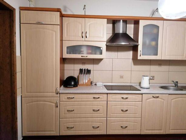 Komplet mebli kuchennych (sprzęty AGD)