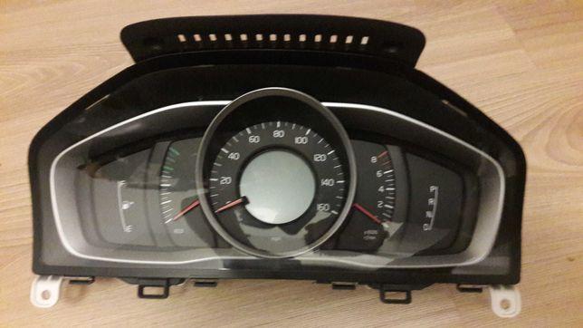 volvo xc60 licznik zegary predkosciomierz automat