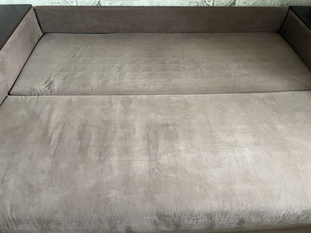 Продам двохспальний диван