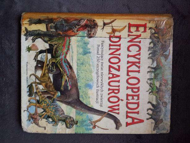 3 książki o dinozaurach + gratis