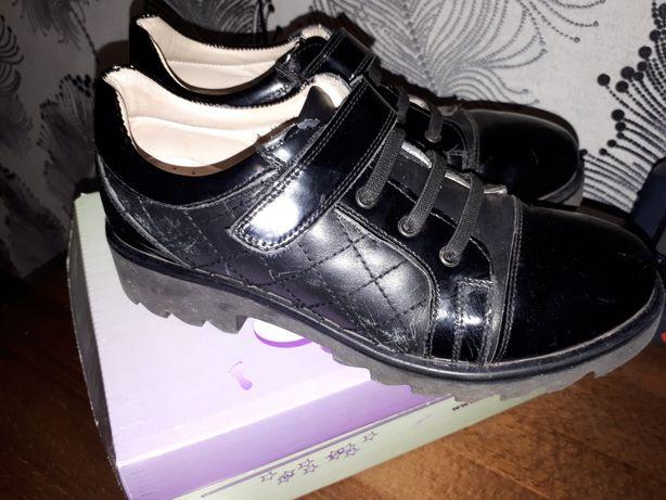 Кожаные туфли р 34