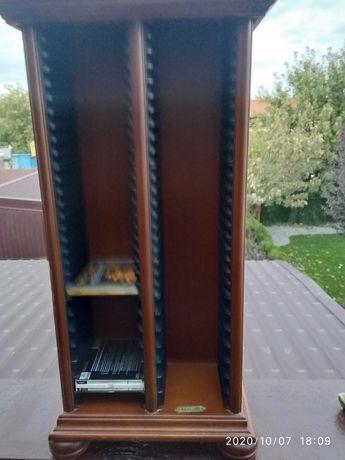 Szafka drewniana na płyty CD