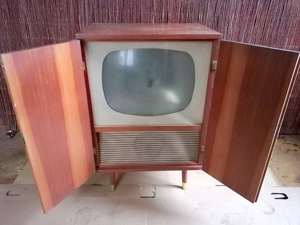 Telewizor retro z lat 50-tych XXw.