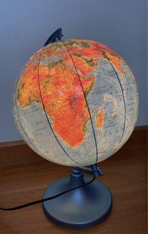 Globus świecący