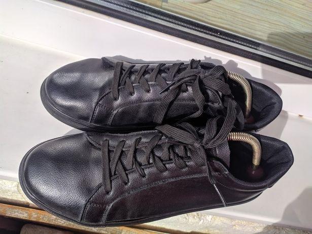 Мужские кроссовки 43 размер 27.5 см.