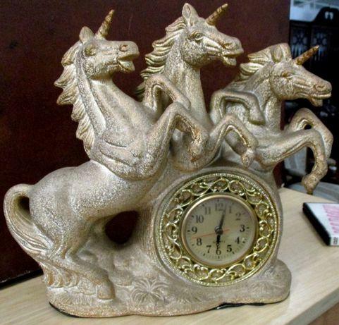 Relógio unicórnio triplo