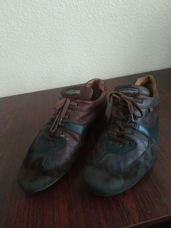 Кросівки чоловічі шкіряні