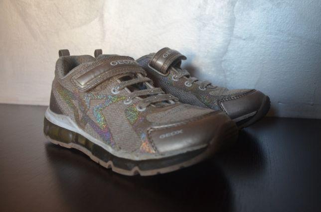 Buty adidasy dziewczęce, świecące, geox