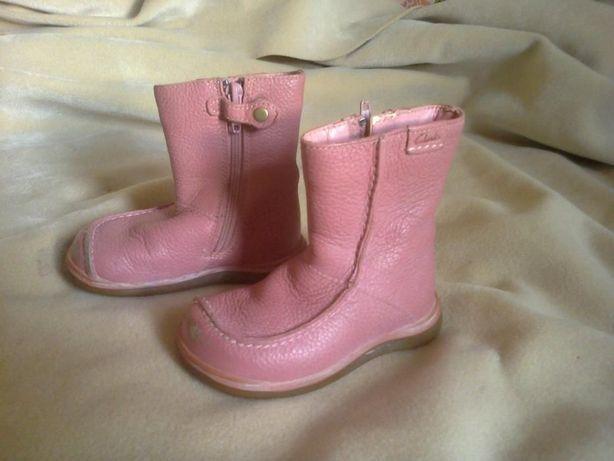 Фирменные кожаные весенние ботиночки для девочки, подошва 15 см.