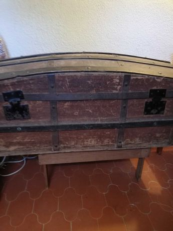 Arca madeira antiga