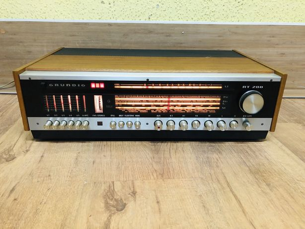 GRUNDIG RT 200 - tuner radiowy