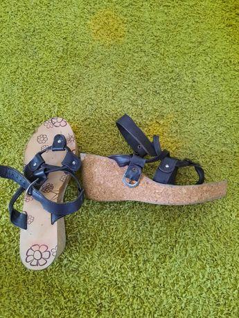 Sandálias Castanhas tamanho 38