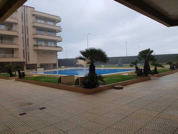 Apartamento T1 luxo condomínio fechado frente mar Furadouro