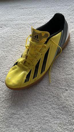 Buty halówki adidas F5 roz 44