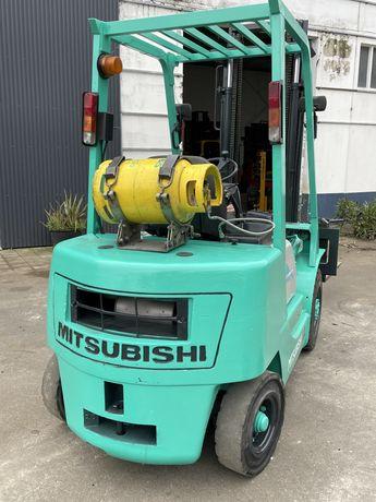 Empilhador mitsubiclhi  2500 kgrs gas pneus macicos