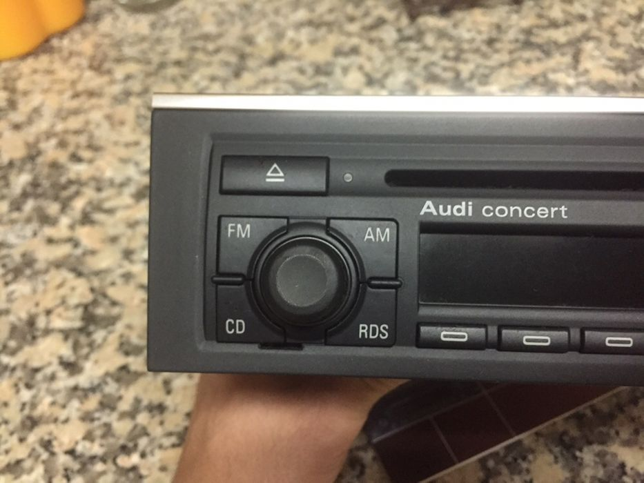 Audi A4 B6 rádio concert 2 para A4 b6 e b7 Ramada E Caneças - imagem 1