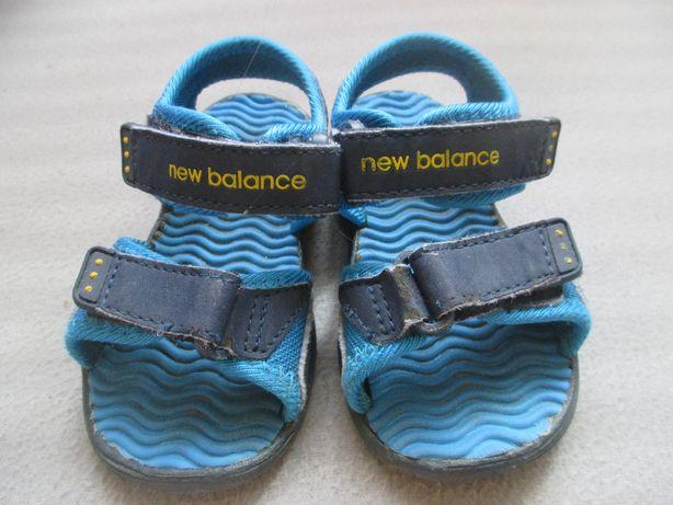 Sandały New Balance rozmiar ok. 24-25 długość wkładki 15,5 cm
