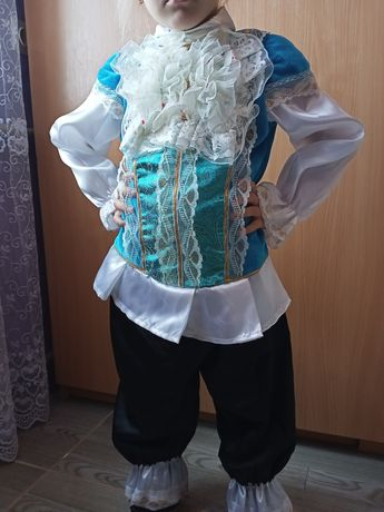 Костюм принца. Карнавальный костюм на мальчика  3-4года