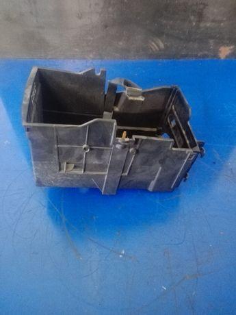 Podstawa akumulatora Ford Focus MK2 Stan BDB