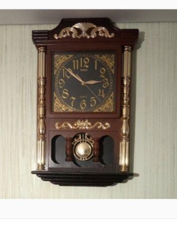 Часы настенные с маятником под старинные.  С крупными цифрами
