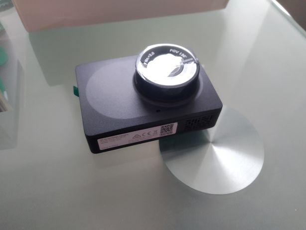 Продам видеорегистратор Xiaomi Yi Smart Dash