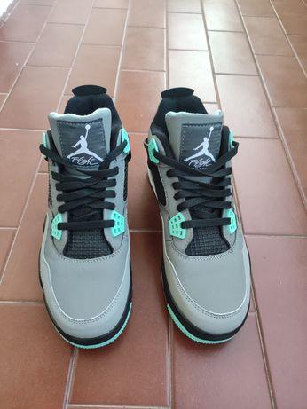 NOVAS Jordan 4 Retro Green Glow