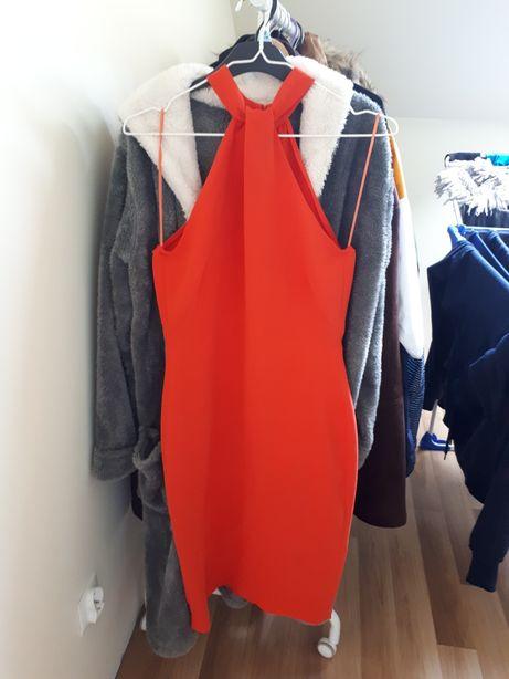 Czerwona sukienka reserved38 M