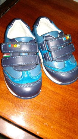 Продам ботинки (кросовки)