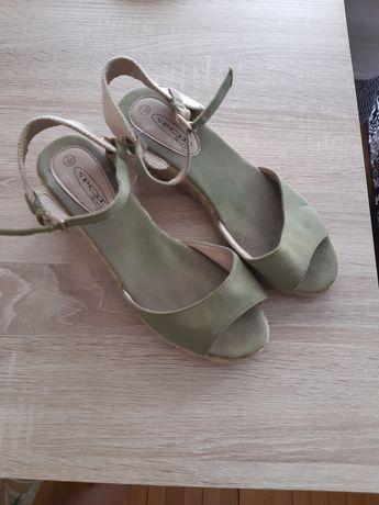 Sandały sandałki koturny