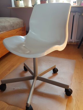 Krzeslo obrotowe młodzieżowe  ikea