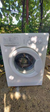 Продам пральну машину Індезіт