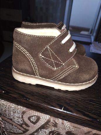 Замшевые ботинки 21