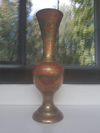 Металлическая ваза с орнаментом. Индия.