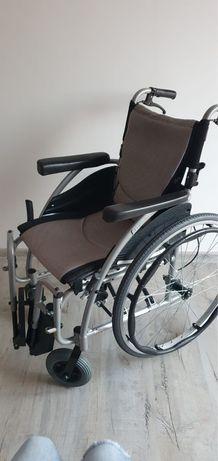 Wózek inwalidzki składany j nowy