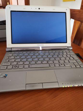 Portátil Toshiba NB 305