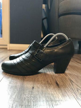 Buty skórzane na obcasie