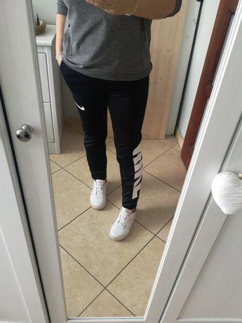 Spodnie Nike S/M