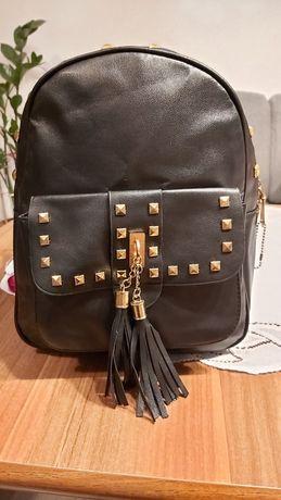 Czarny plecaczek