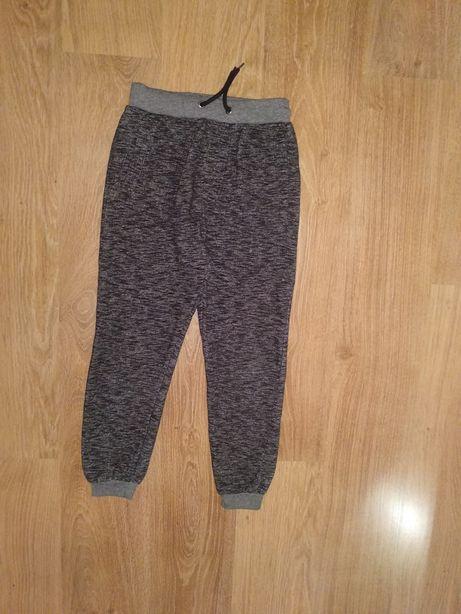 Спортивные штаны  Next  H&M  10-11 лет