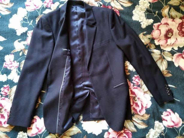 Продам пиджак Ostin в идеальном состоянии