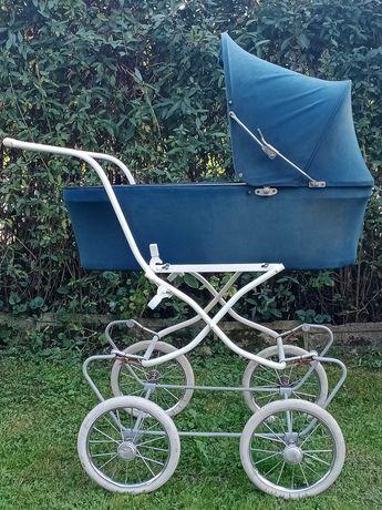 Wózek dziecięcy retro